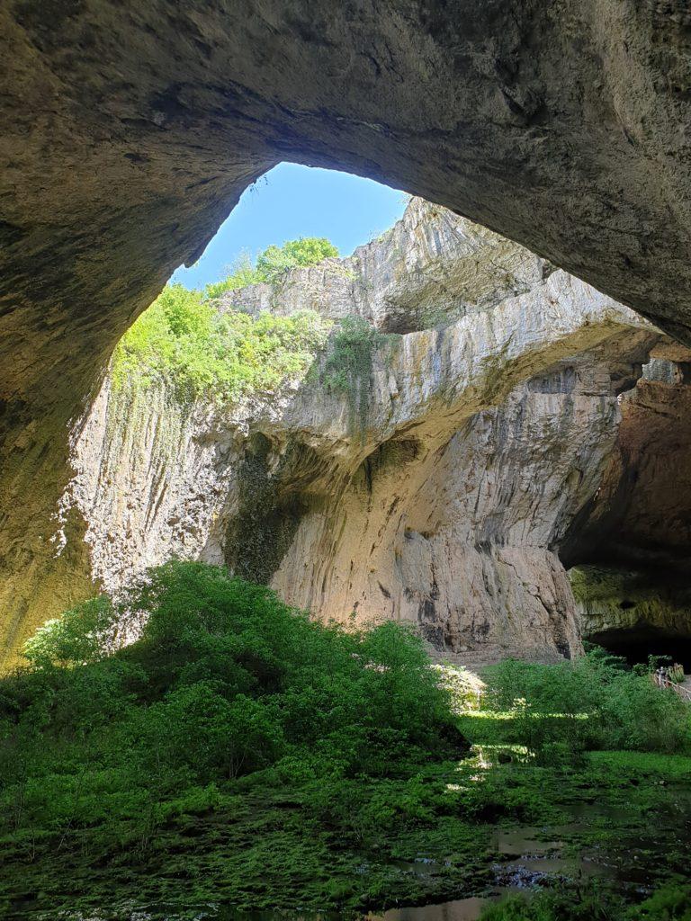 Peștera Devetashka - de văzut neapărat în Bulgaria (FixAsa.ro)